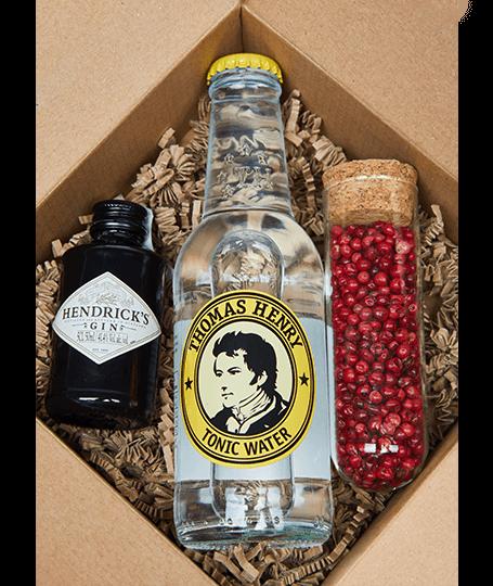 Hendrick's Mini Gin Box rózsaborssal