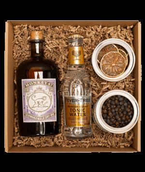 Monkey 47 gin box borókabogyóval és lime-mal