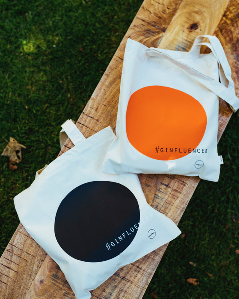 kofer. ginfluencer bag
